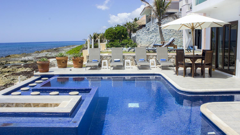 Stunning Beachfront Home in Puerto Aventuras