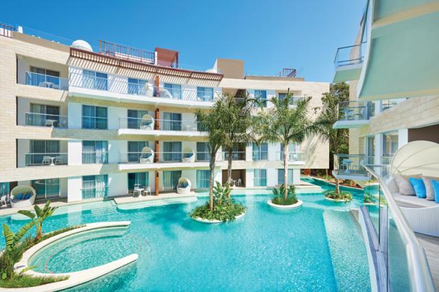Luxurious 2-Bedroom 2-Baths in Beachfront Resort