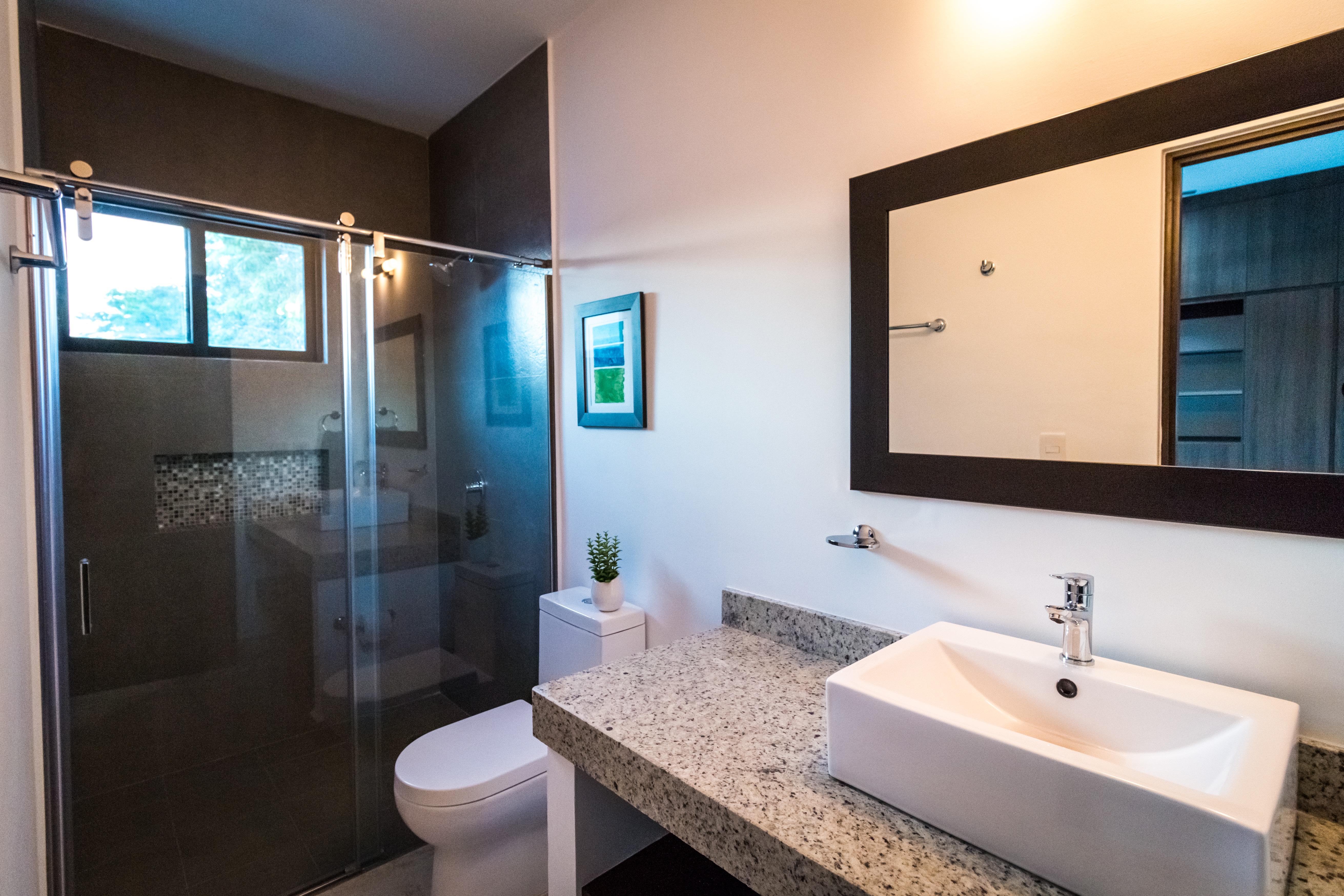 Arcos-31-squashed-Bathroom