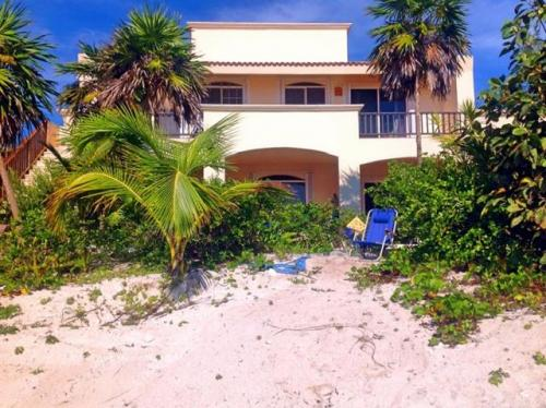 Beautiful beachfront villa in Tankah, Riviera Maya. property for sale