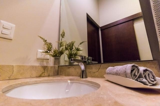 L_Condos-9-Interior-Bathroom