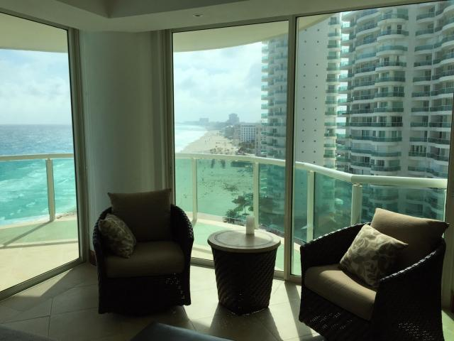 17594 3 Bedroom Condo with Wonderful View of the Caribbean  - Condo