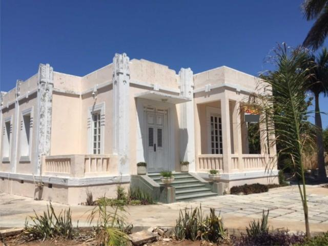 Colonial House on Avenida Reforma, in Garcia Gineres property for sale