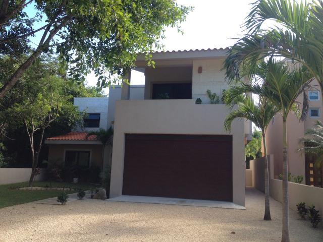 18053 4 bedroom house in Puerto  - Home
