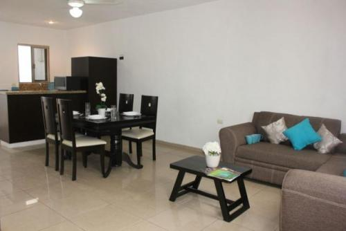 2 Bedroom Condo Located in Downtown Playa del Carmen property for sale