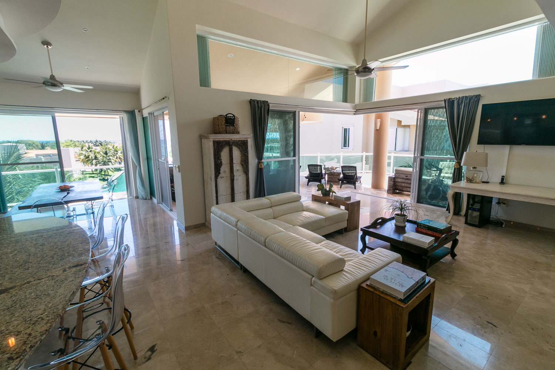Penthouse3-bed-ocean-view-puerto-aventuras-LivingRoom