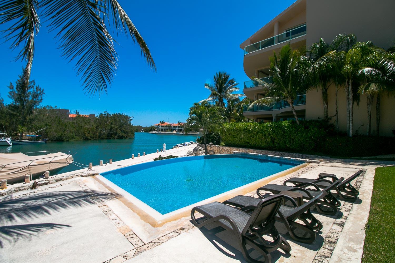 Penthouse3-bed-ocean-view-puerto-aventuras-Pool