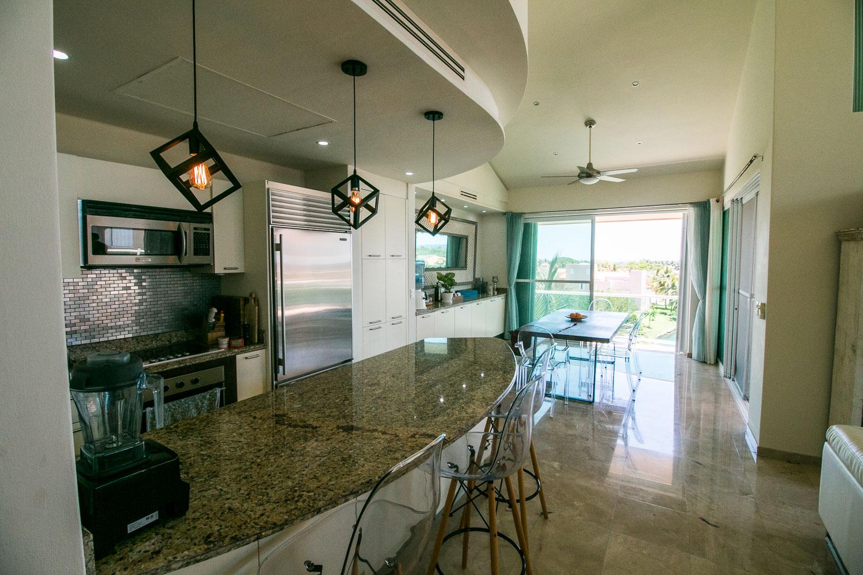 Penthouse3-bed-ocean-view-puerto-aventuras-Kitchen