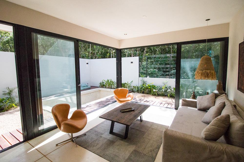 Luxury-condominium-bathed-in-comfort-and-style.-Interior-GardenA