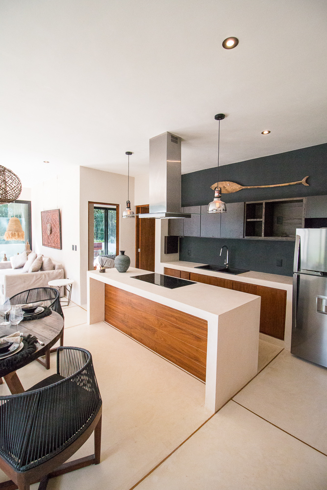 Luxury-condominium-bathed-in-comfort-and-style.-Kitchen
