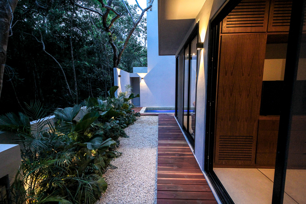 Luxury-condominium-bathed-in-comfort-and-style.-GardenArea