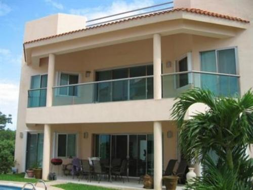 Beautiful Condo 2 beds 2 baths  Puerto Aventuras property for sale
