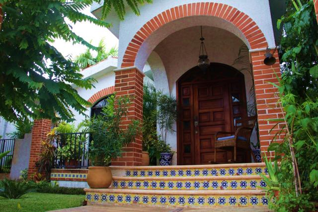 19225 Beautiful Residence Mexican Mediterranean  - Home