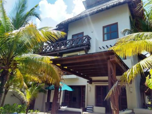 Luxury House facing the sea in Progreso property for sale