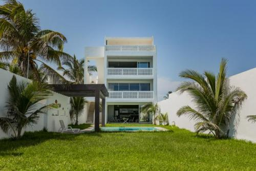 Beachfront Condominium In Chelem - Middle Floor property for sale
