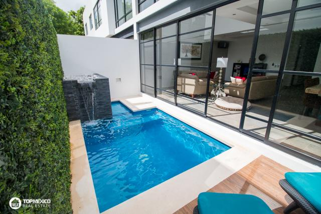 Beautiful House in Exclusive Residential of Cancun property for sale