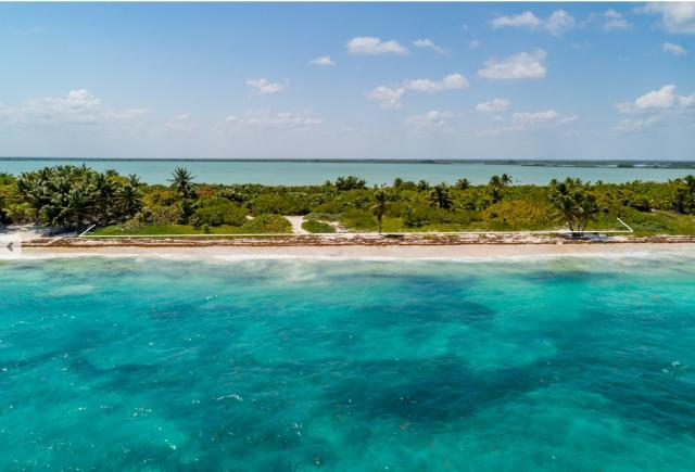 Lot in the Sian ka'an reserve of more than 2.5 acres property for sale
