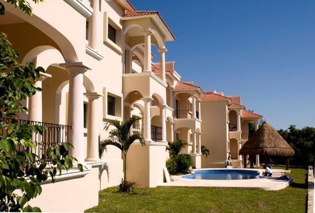 2 Bedroom Condo in the Picturesque Town of Puerto Aventuras property for sale