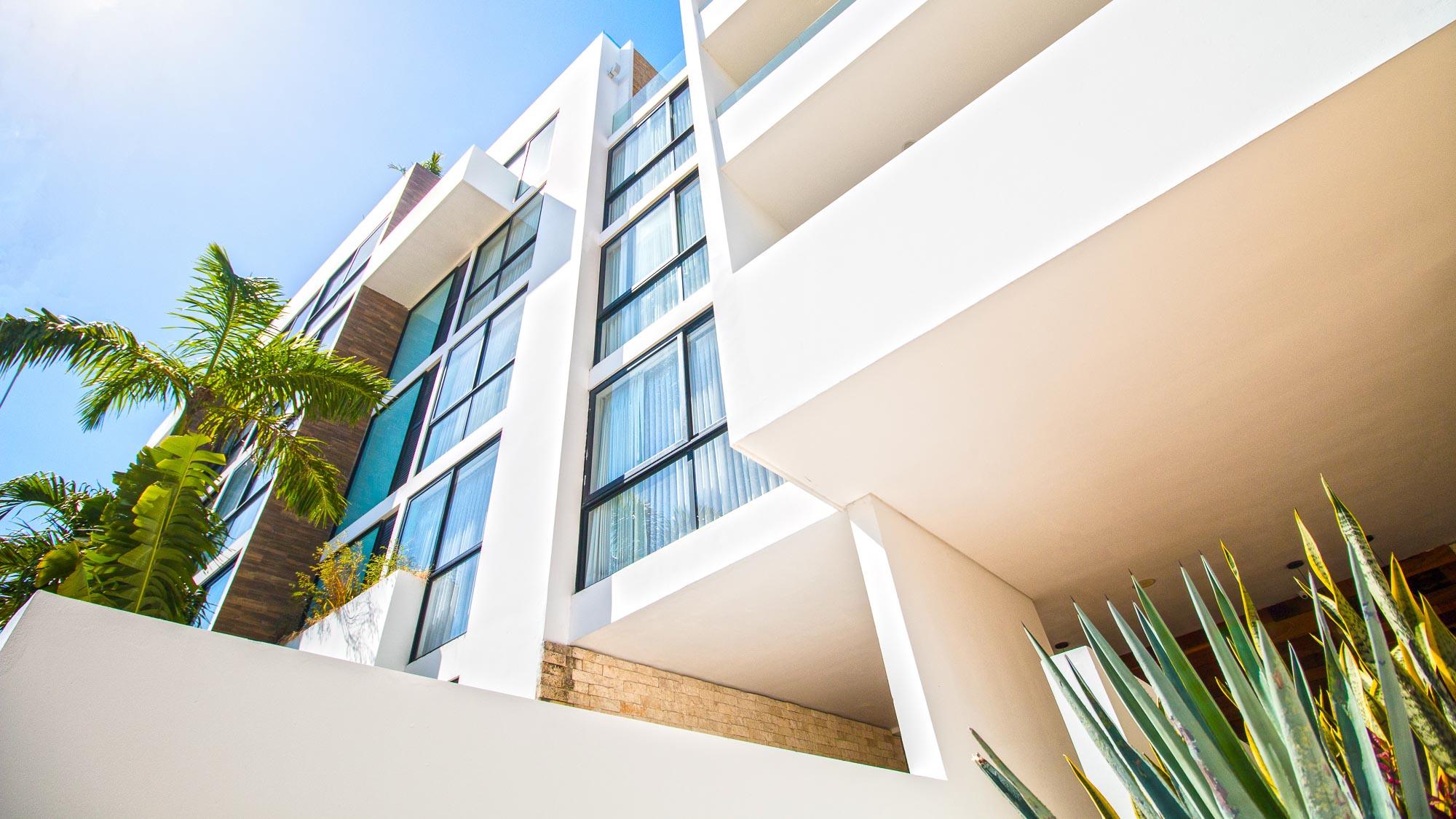 2-br-condo-playa-del-carmen-Anah-Building