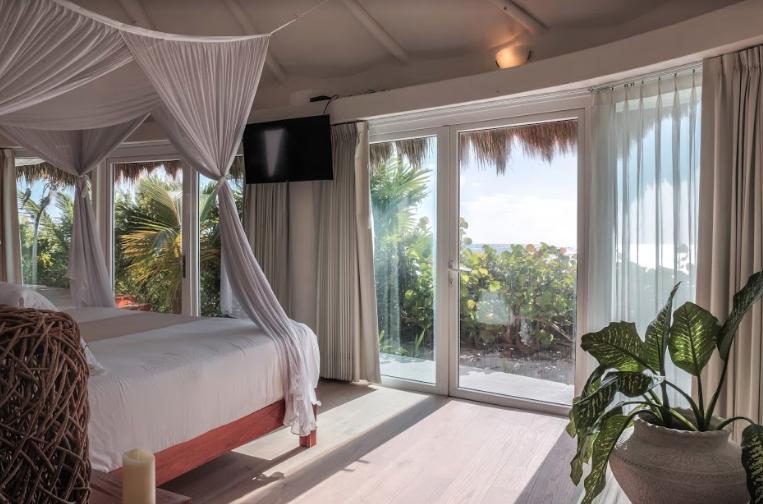20287 4 bedroom villa facing the  - Home