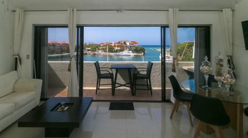 Beautiful 3 bed PH marina view in Puerto Aventuras move in ready