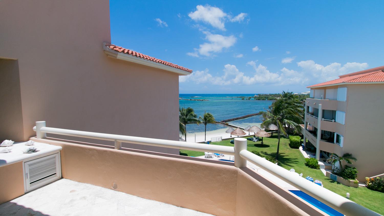 2-br-condo-penthouse-puerto-aventuras-beachfront-OceanView-Ocean