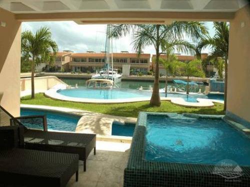 2 BR Villa in Puerto Aventuras property for sale