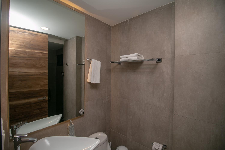 3br-Ph-beach-Playa-del-Carmen-3-bedroom-condo-Bathroom