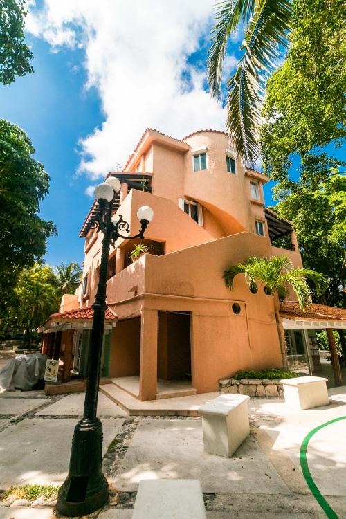 3 Bedroom Condo located in the heart of Puerto Aventuras property for sale