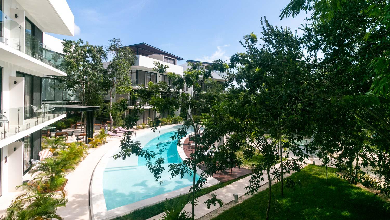 luxury-studio-in-la-Veleta-Exterior-Pool