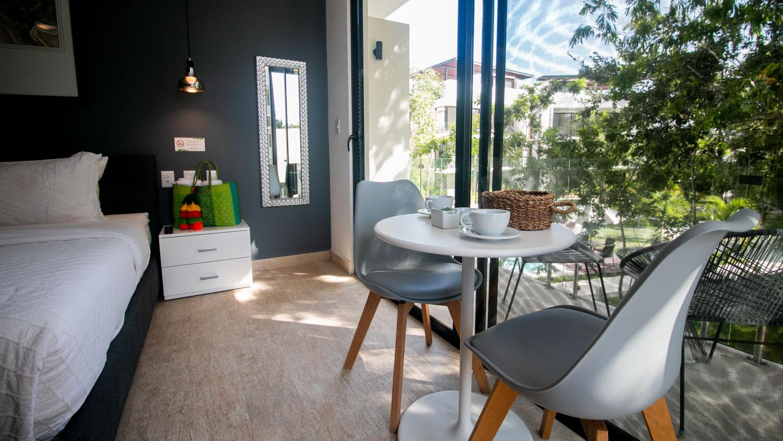 luxury-studio-in-la-Veleta-Balcony