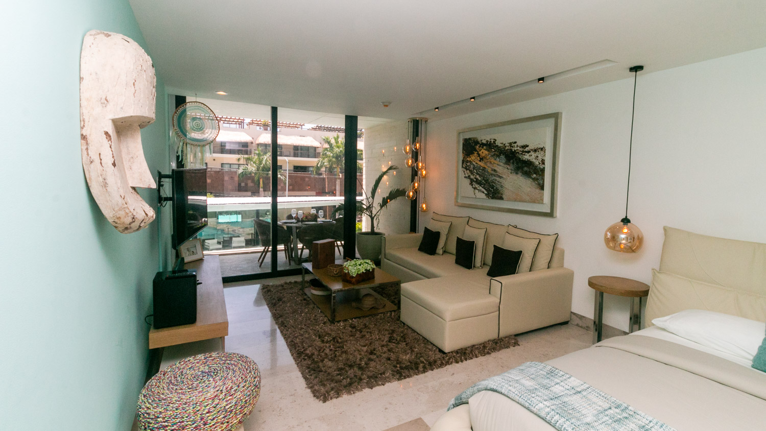 Luxury-studio-a-few-steps-from-the-beach-and-5th-Avenue-Interior