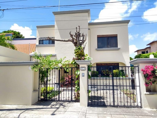 Beautiful 3 bedroom house for sale in Cancun
