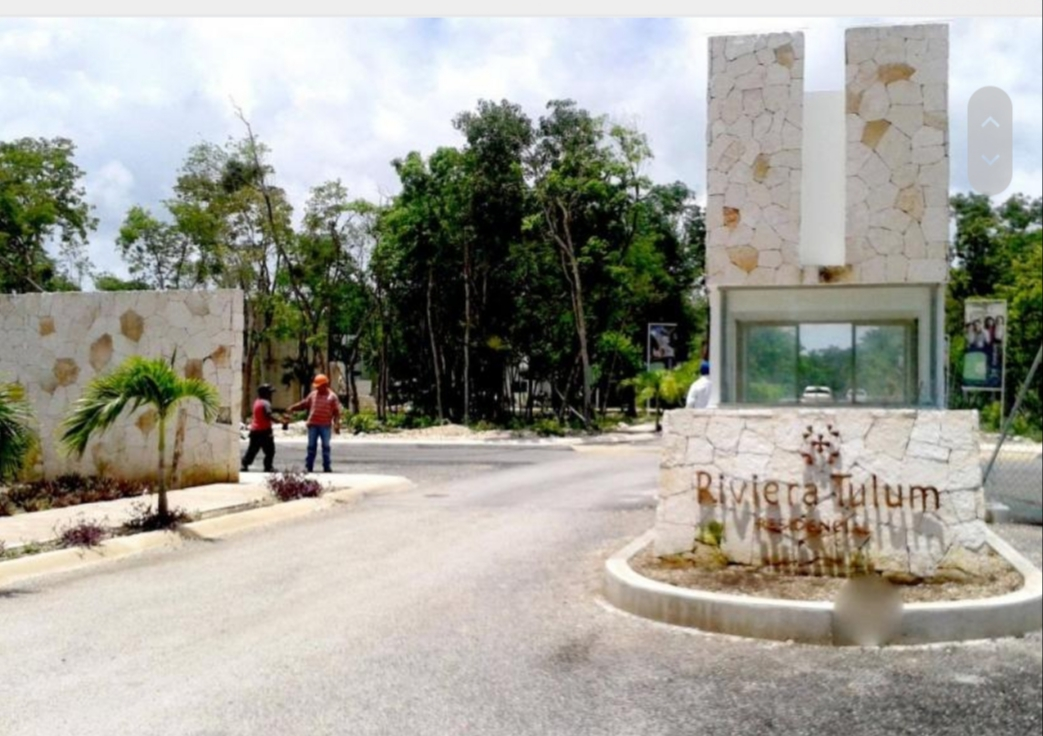 4-lots-of-2228.13-sqf-each-in-a-gated-community-of-Tulum-Entranc
