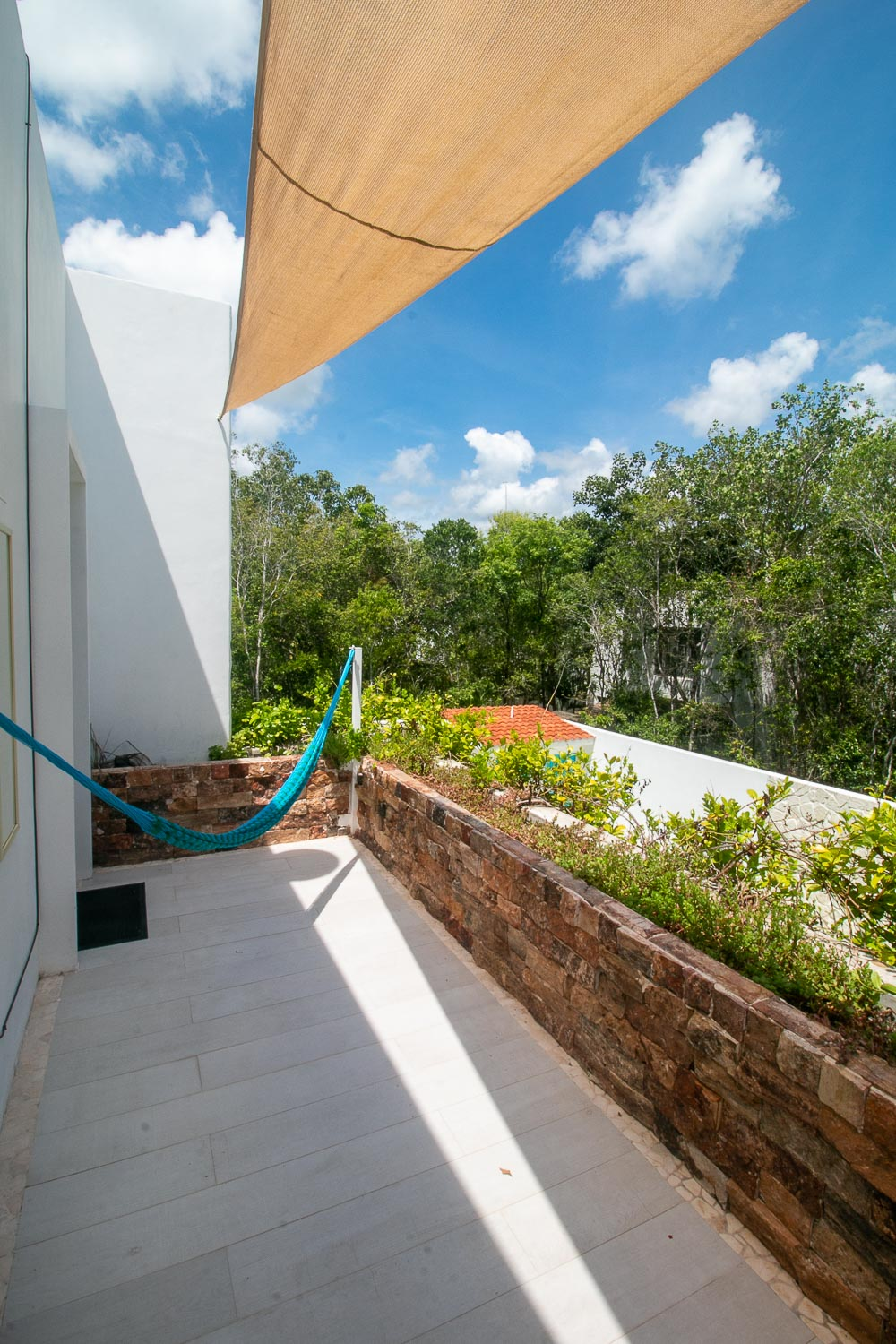 4-bedroom-house-in-a-gated-community-in-Tulum-Exterior