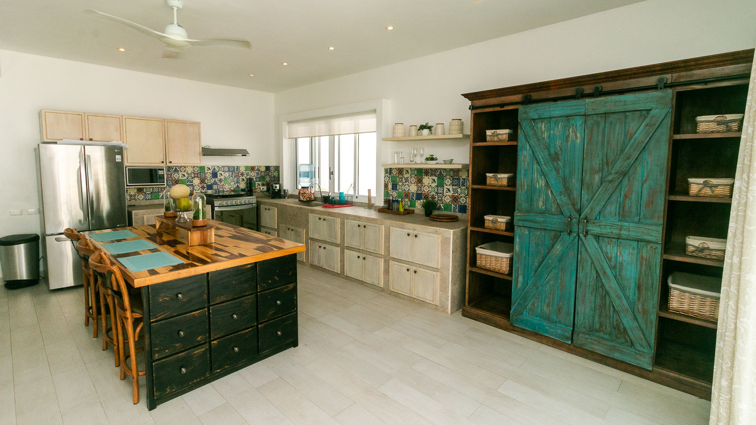4-bedroom-house-in-a-gated-community-in-Tulum-Kitchen