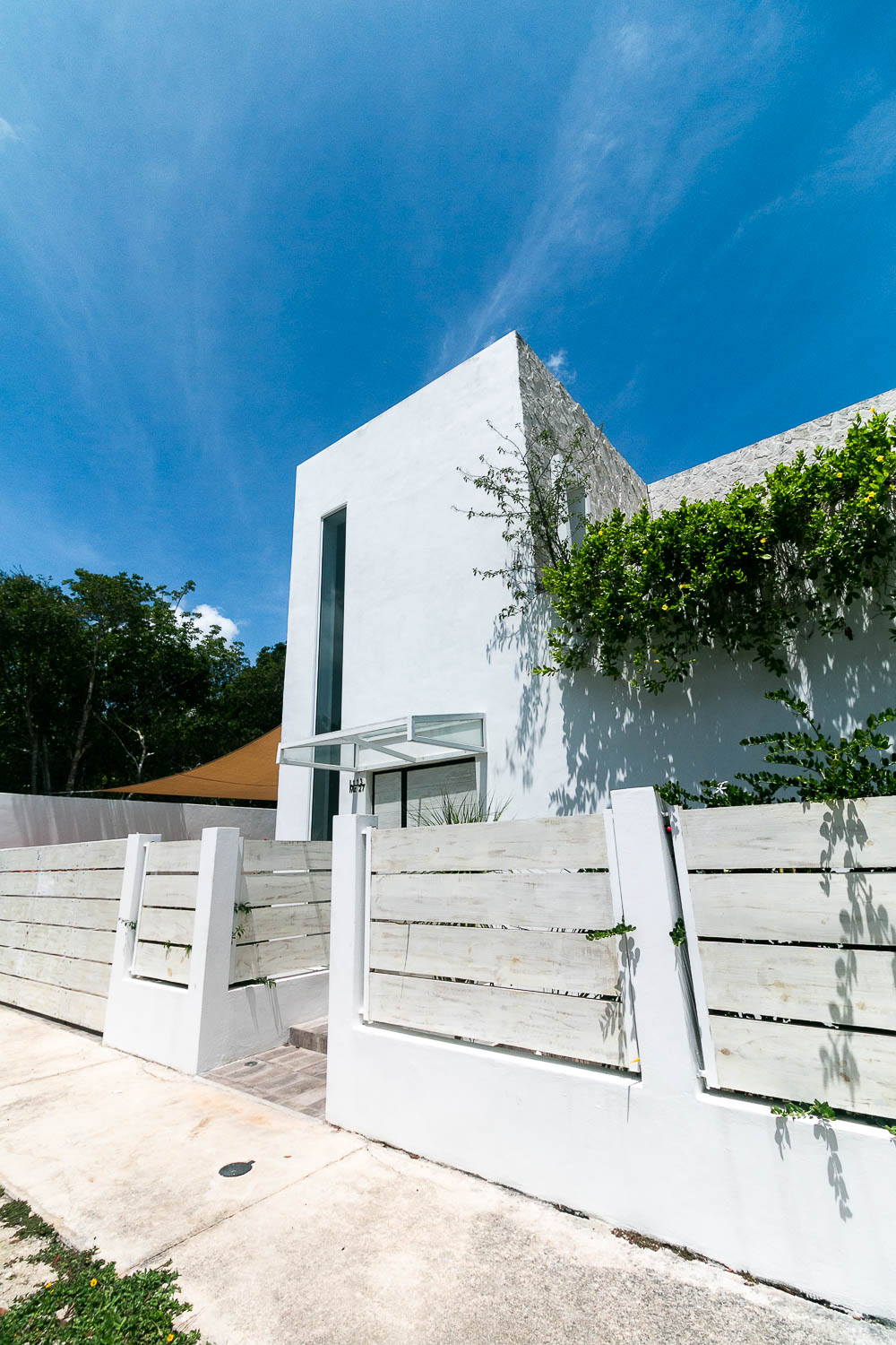 4-bedroom-house-in-a-gated-community-in-Tulumfa-Facade