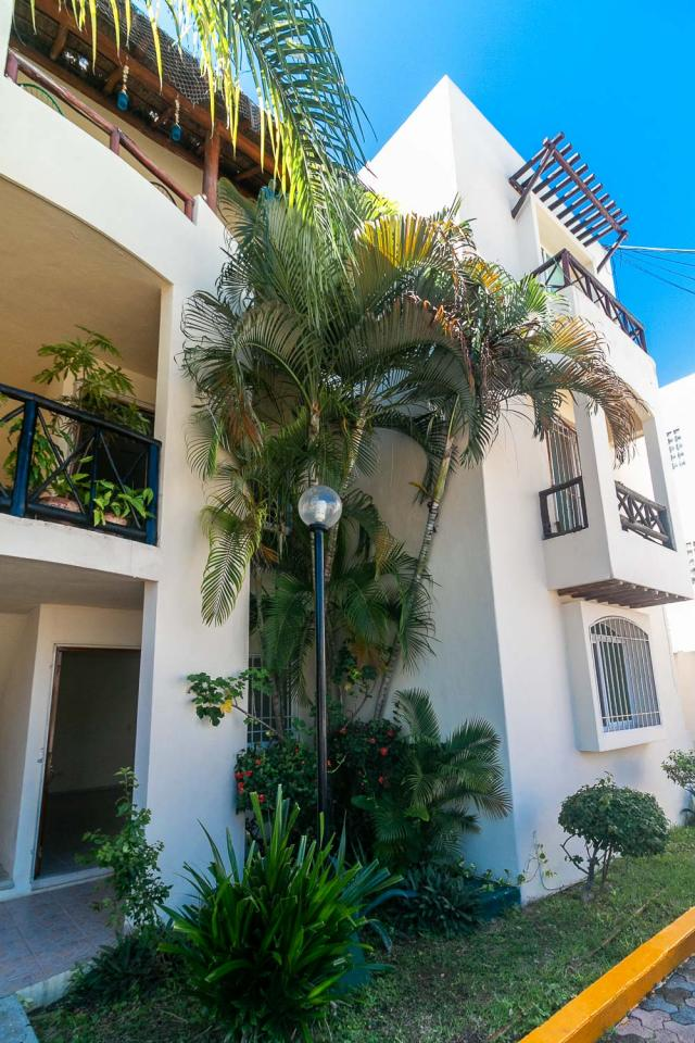 Spacious condo for sale in Playa del Carmen Downtown.