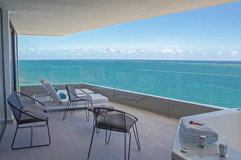 Stunning 3 bedroom beachfront condo with a lock off system