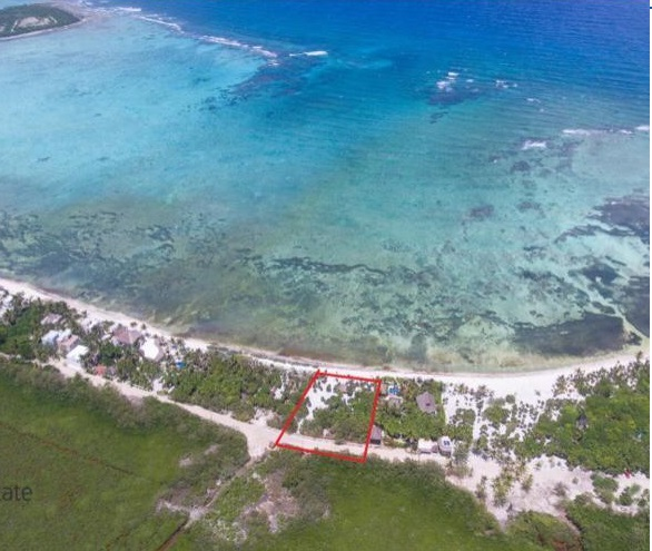 Large lot in Bahia Soliman, in a prime location close to Tulum