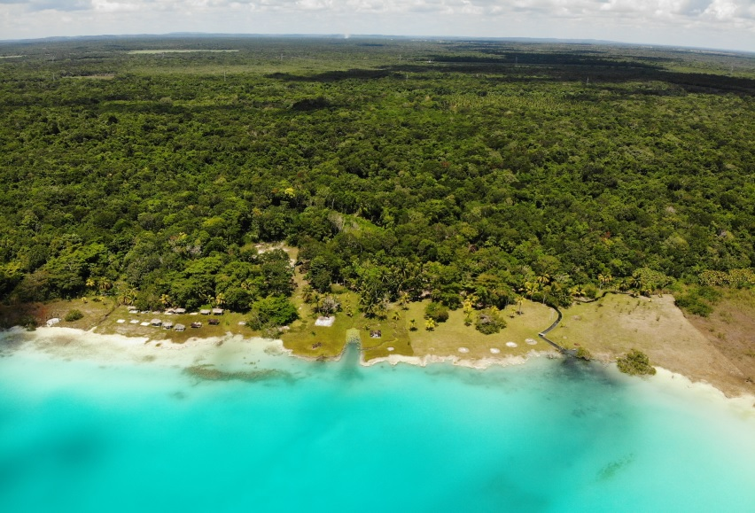 Land in front of the bacalar lagoon fraction 5