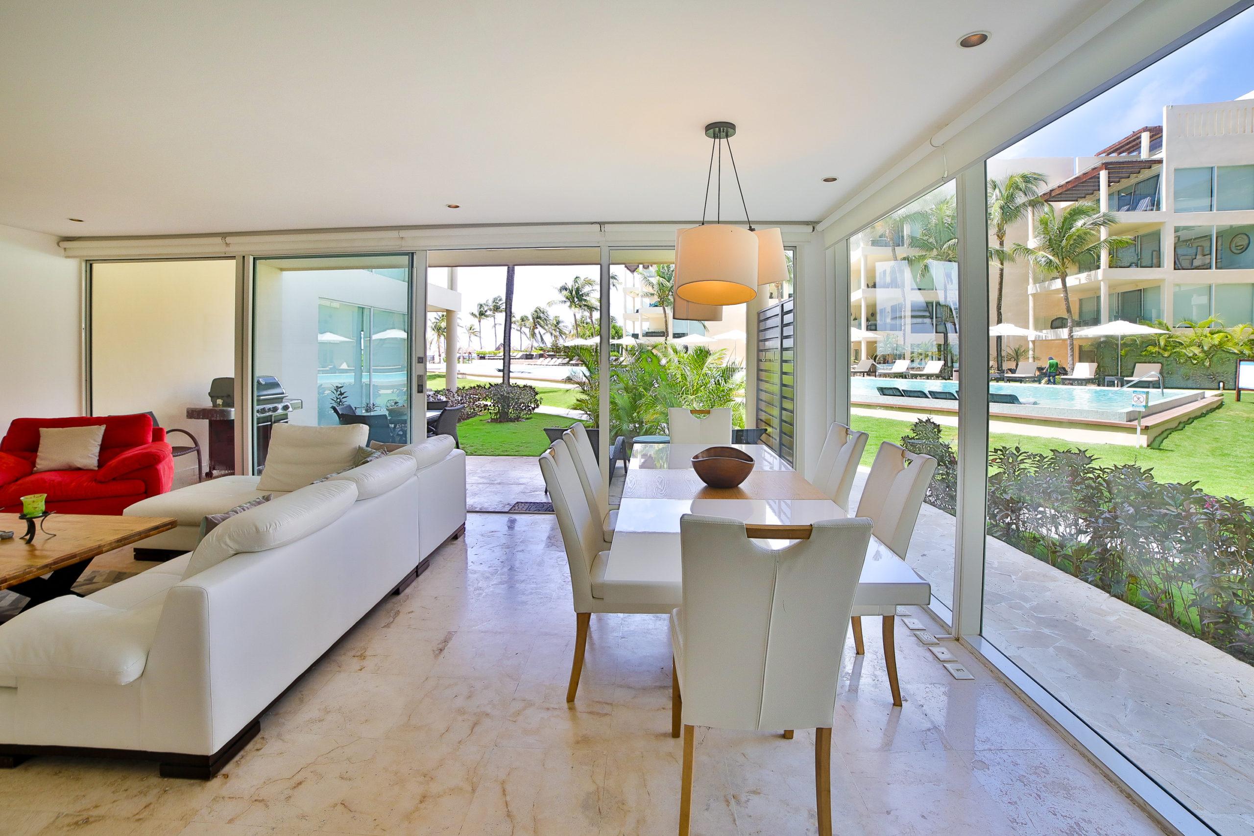 Beachfront 2 bedroom condo in Playa del Carmen