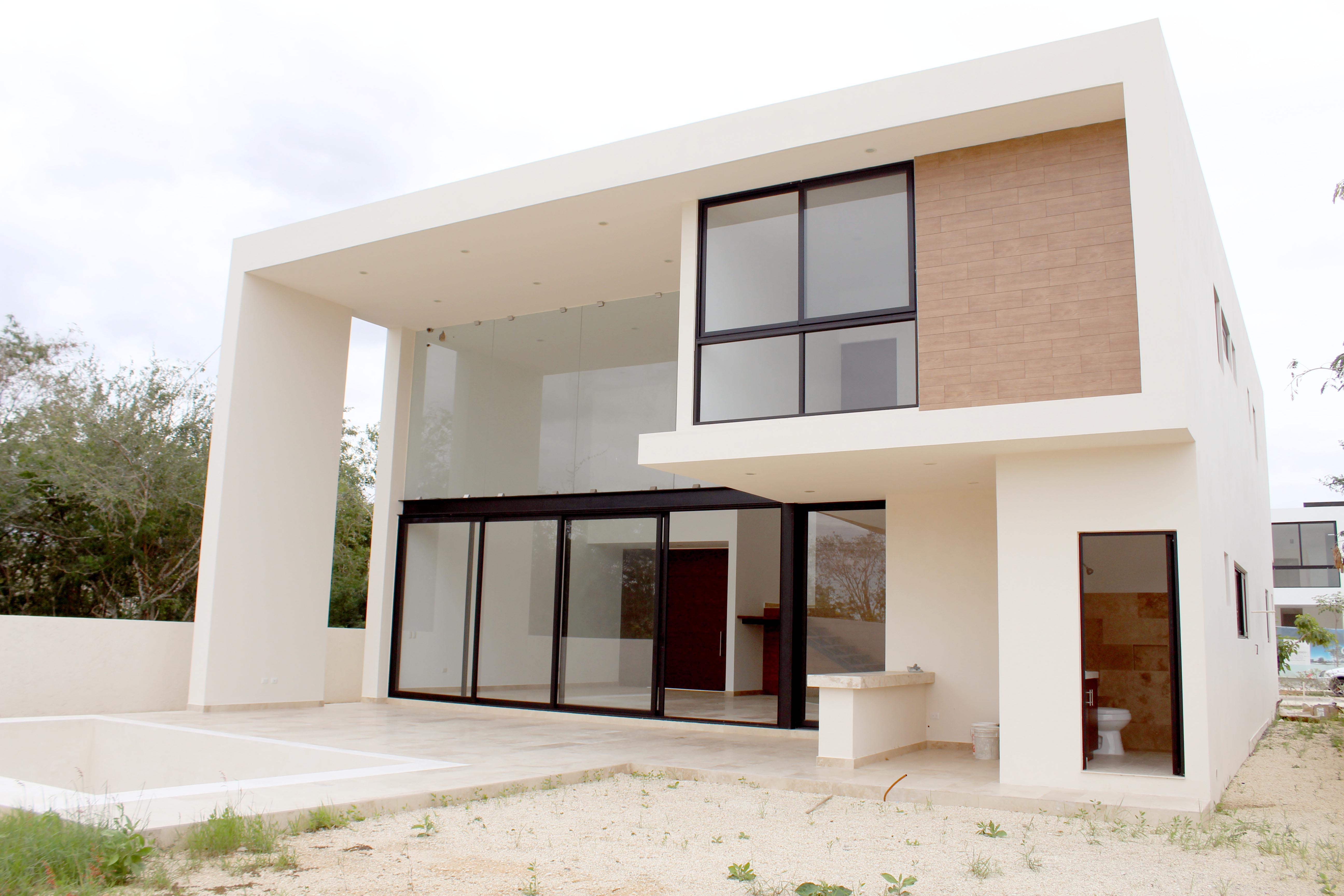 BEAUTIFUL HOUSE LOCATED IN THE COUNTRY CLUB YUCATAN