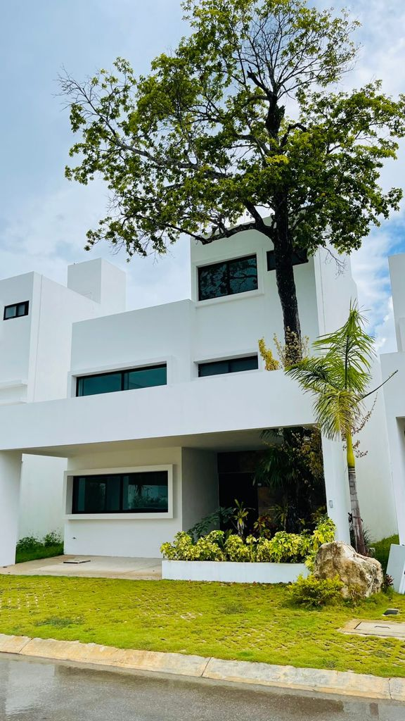3 bedroom home in Cancún.
