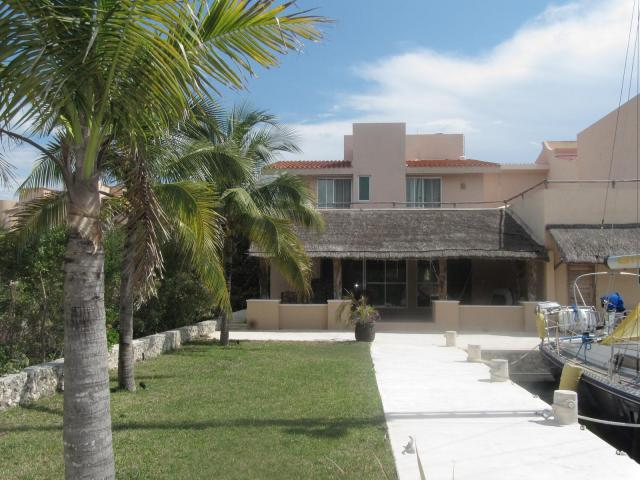 House for your boat! Puerto aventuras Home! property for sale